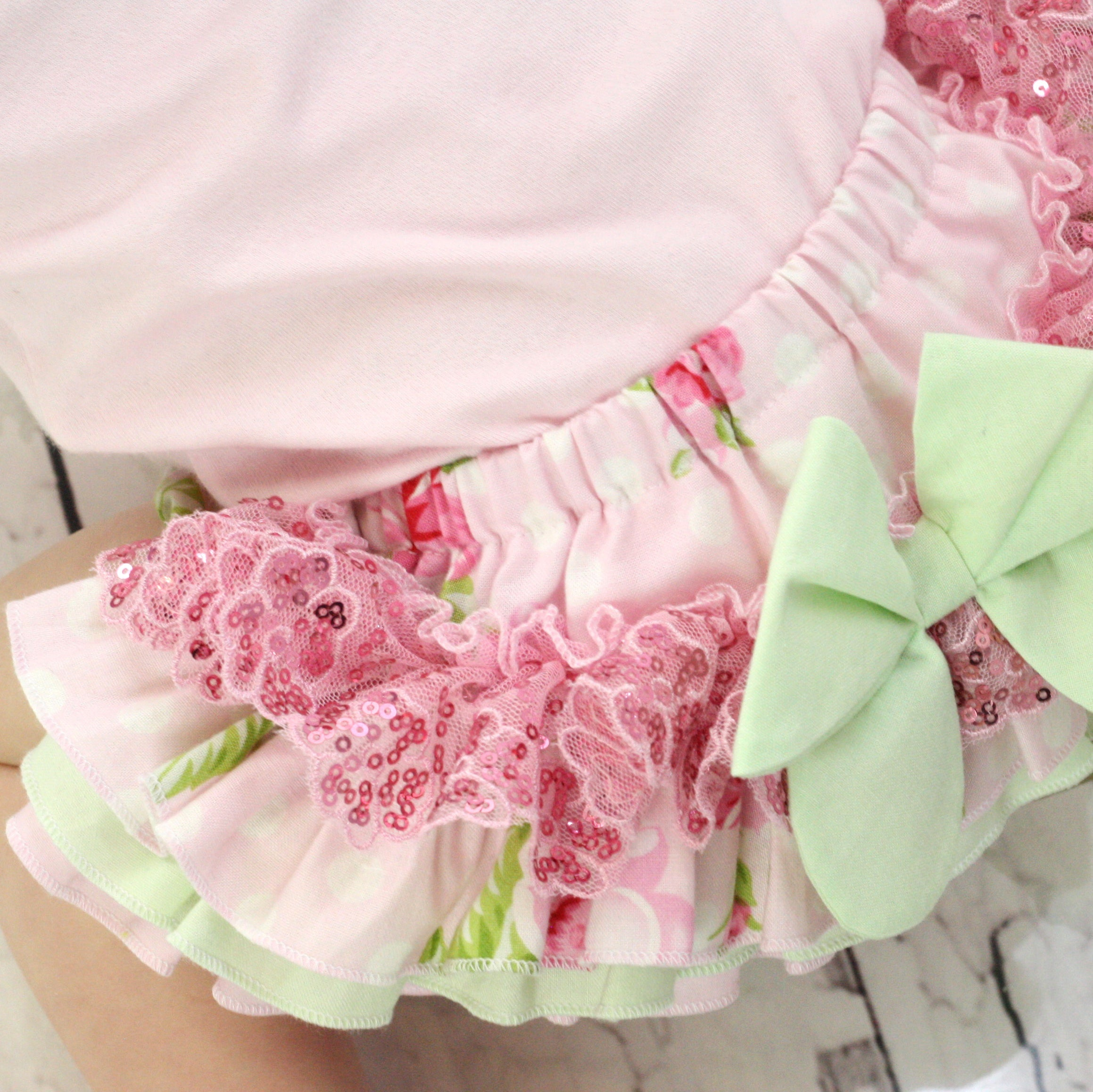 "Luxe ""Roses and Mums"" Frilly Nappy Cover"