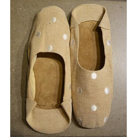 Linen slipper with white polka dots
