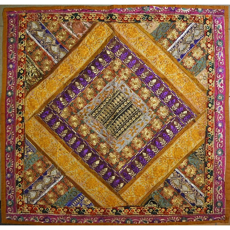 Wall hanging square 01