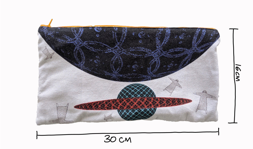 qumooth reclaimed pouch