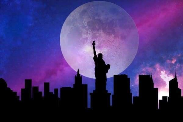 Moon Diamond Painting Kit - New York In The Moonlight-Square 20x30cm- - Paint With Diamonds
