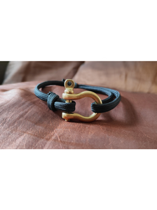 The Bow-Shackle Bracelet