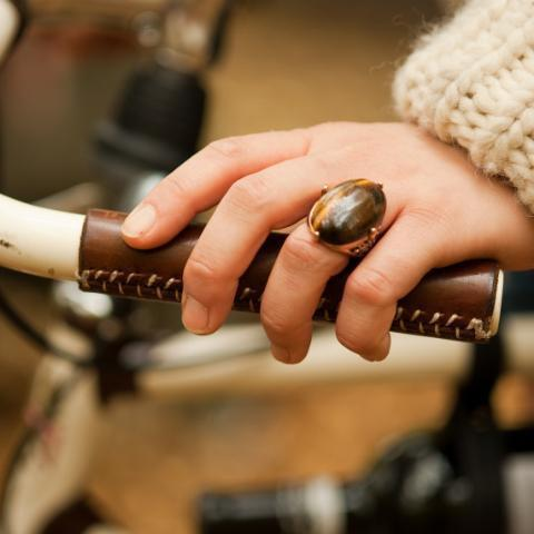 Walnut Studiolo City Grips-Walnut Studiolo-Voltaire Cycles of New Jersey