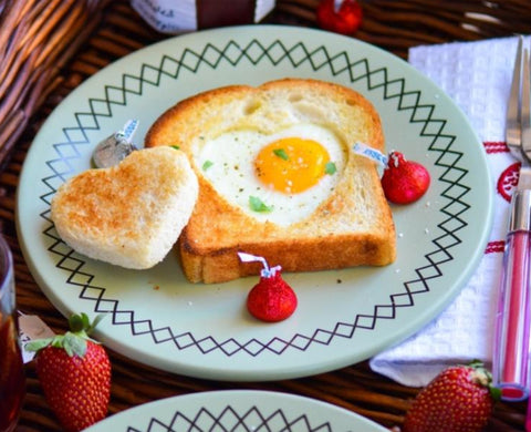 Egg Heart Toast