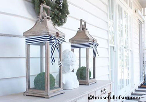 porch Christmas decor