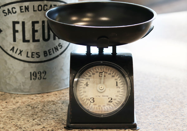 Black Vintage Weighing Scale for Kitchen