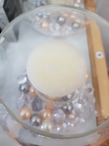 Pearl and crystal centrepiece