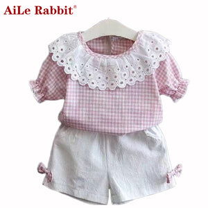 AiLe Rabbit 2017 Summer Girl Set Lace Side Plaid Short Sleeve T-Shirt + White Shorts Suits Fashion Retail Apparel Children's Set