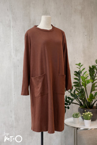 Kyda Twin Pockets Dress in Brown
