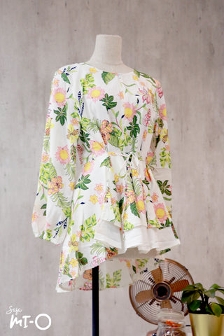 Dhia Full Bloom Top in White - Saja Mi-O