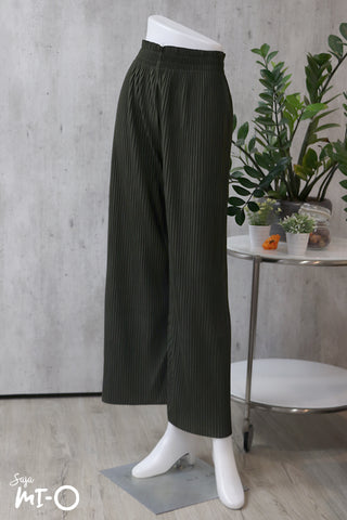 Katie Pleated Pants in Army Green