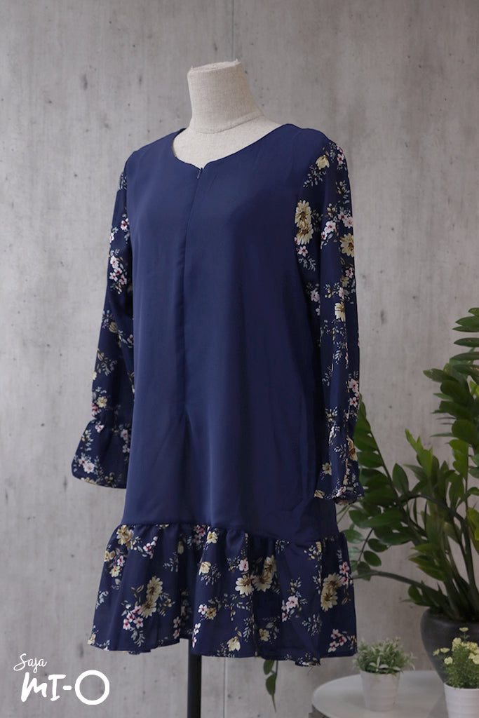 Kailey Floral Tunic Top in Navy - Saja Mi-O