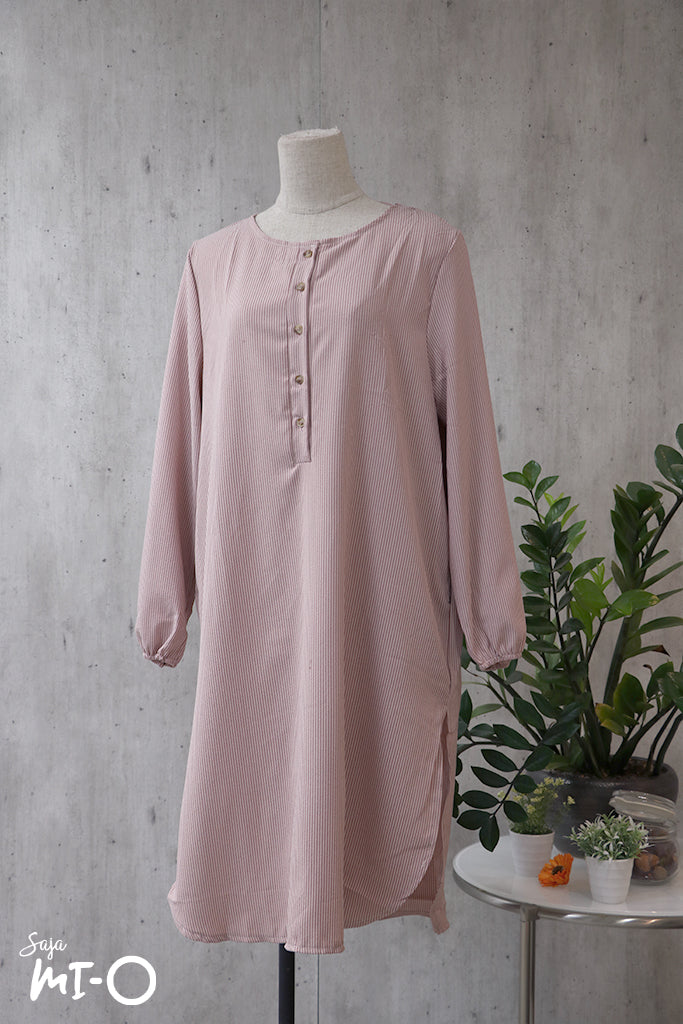 Skyla Solid Slip Top in Soft Pink - Saja Mi-O