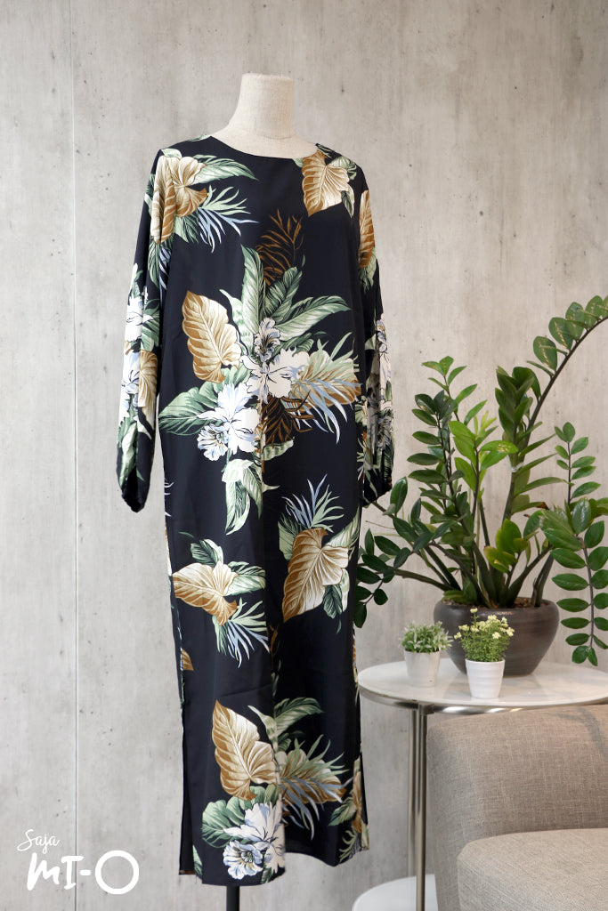Caitlyn Botanicals Dress in Black - Saja Mi-O