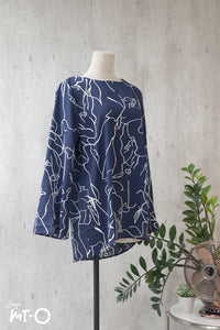 Aiza Abstract Top in Dark Navy - Saja Mi-O