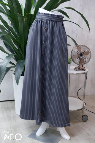 Alva Buttoned Long Skirt in Striped Grey - Saja Mi-O