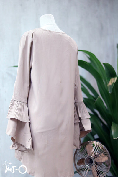 Jasrah Layered Ruffle Sleeve Blouse in Sandstorm