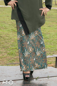 Shiraz Vintage Batik Skirt in Olive Green