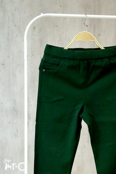 Daania Pants in Green - Saja Mi-O