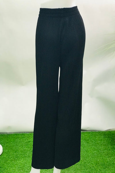 Lizie Pleated Pants in Black - Saja Mi-O
