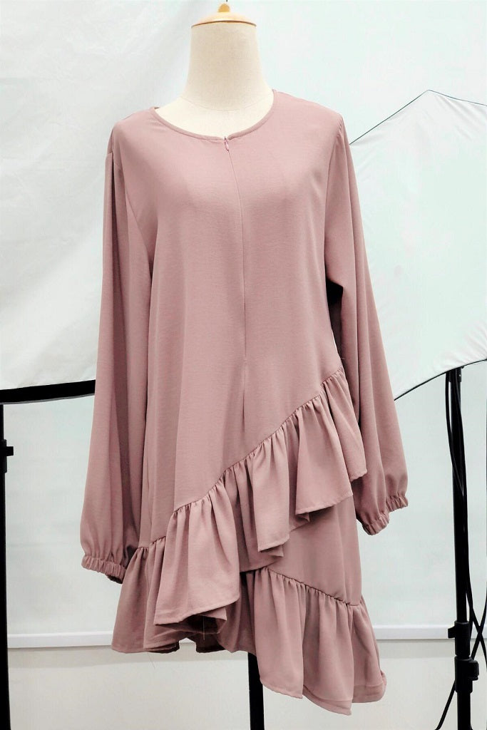 Almira Asymmetric Ruffle Hem Blouse in Dusty Pink