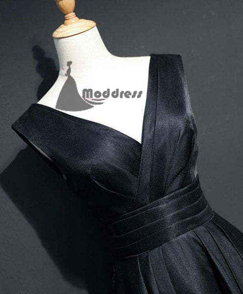 Simple Long Prom Dress V-Neck Evening Dress Black Satin A-Line Formal Dress