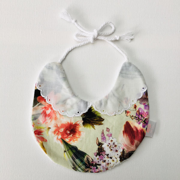 Madison Collar Bib