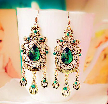Retro Style Green Water Drop Earrings