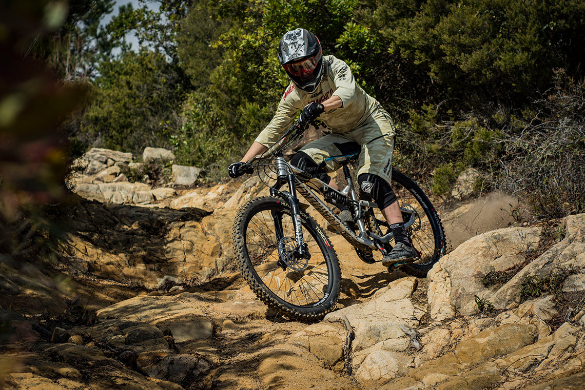 f24535c752c OOZY 350 Wheels Debut at Enduro World Series with Cecile Ravanel ...