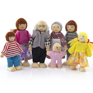 Family Dolls Small Wooden Toy Set
