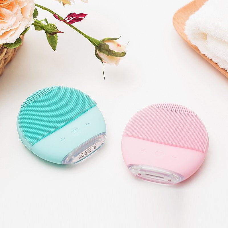 Silicone Facial Cleansing Brush Electric Face Scrubber - Booth79
