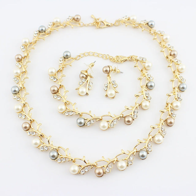 Classic Imitation Pearl necklace Goldcolor jewelry set for women