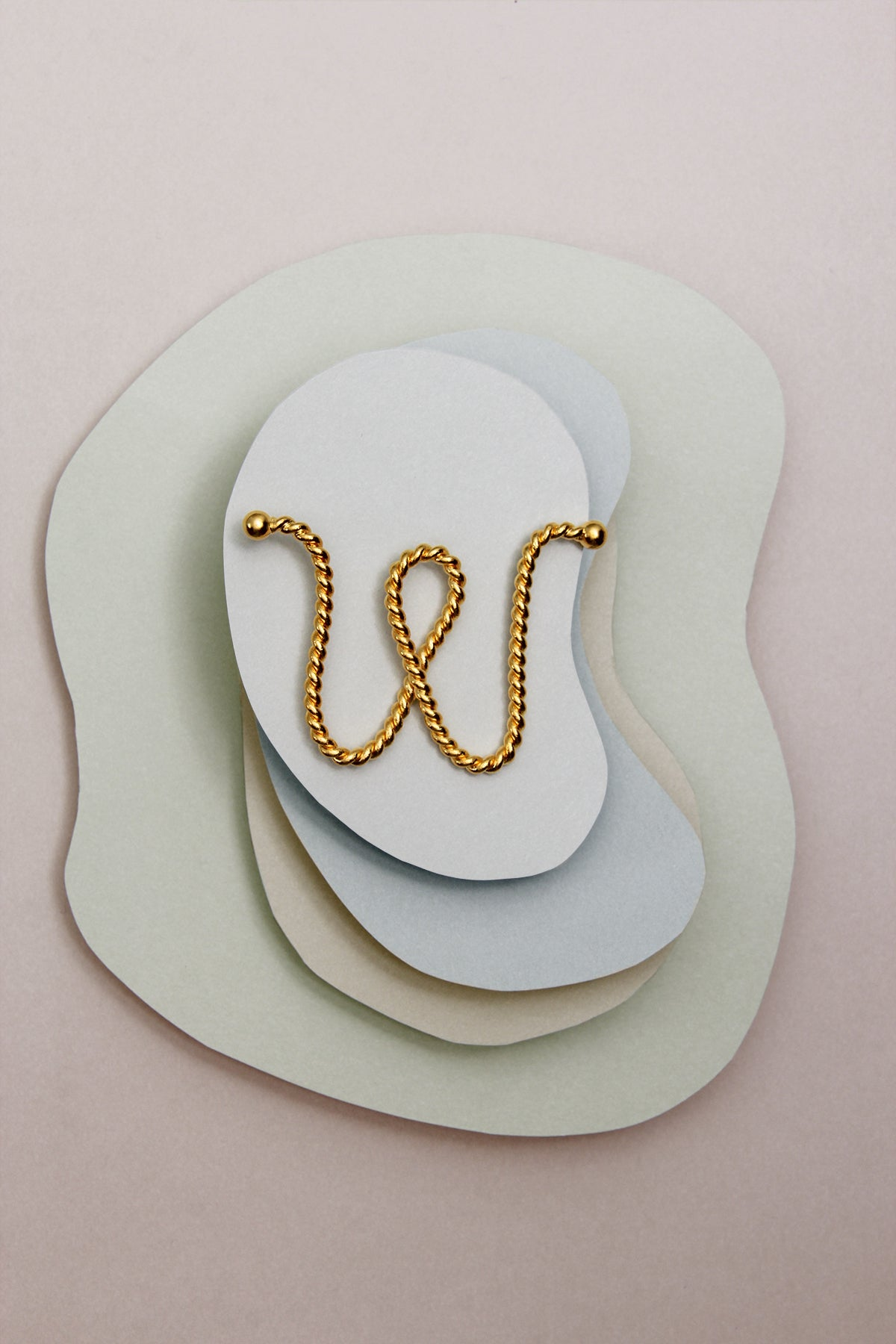 THE INITIAL W NECKLACE