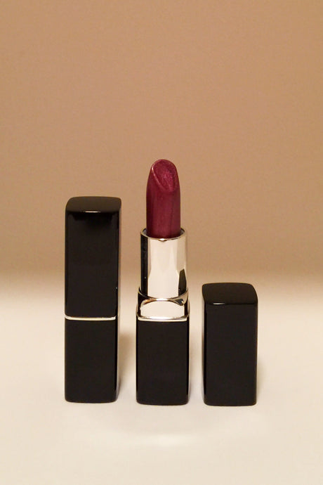Fashion Fly Metallic Ultimate Lipstick - Plum