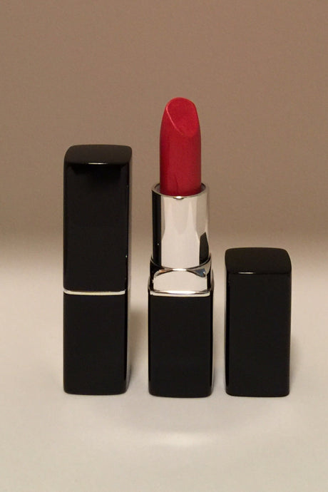 Fashion Fly Metallic Ultimate Lipstick - Lady In Red