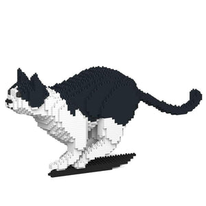 "Black & White Cat Sculpture, Running (21.7 x 46.3 cm / 8.5"" x 18.2"") by JEKCA on Katt."