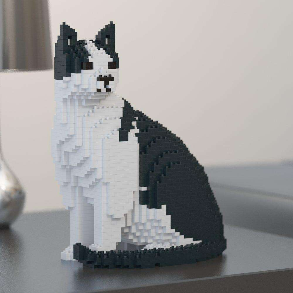Black & White Cat Sculpture, Sitting (27.1 x 22.5 cm / 10.7