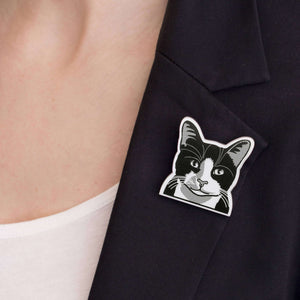 Black & White European Shorthair Cat Brooch by Fibularia on Katt.