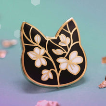 Floral Cat Pin by Shugarush on Katt.