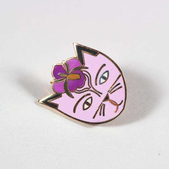 Georgia O'Cat Pin by Niaski on Katt.