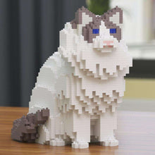 "Ragdoll Cat Sculpture, White / Sitting (25.4 x 23.1 cm / 10.0"" x 9.1"") by JEKCA on Katt."