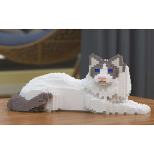 "Ragdoll Cat Sculpture, White / Lying (15.4 x 35.0 cm / 6.1"" x 13.8"") by JEKCA on Katt."