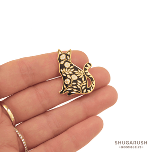 Sitting Floral Cat Pin by Shugarush on Katt.