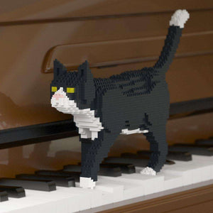 "Tuxedo Cat Sculpture, Walking (41.3 x 28.8 cm / 16.3"" x 11.3"") by JEKCA on Katt."