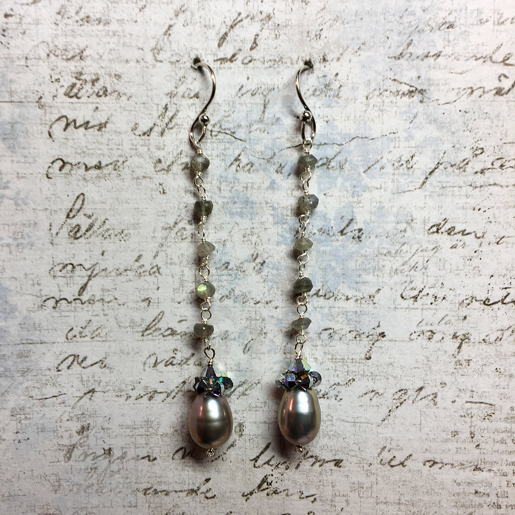 Collared Grey Pearl Earrings on Labradorite Chain