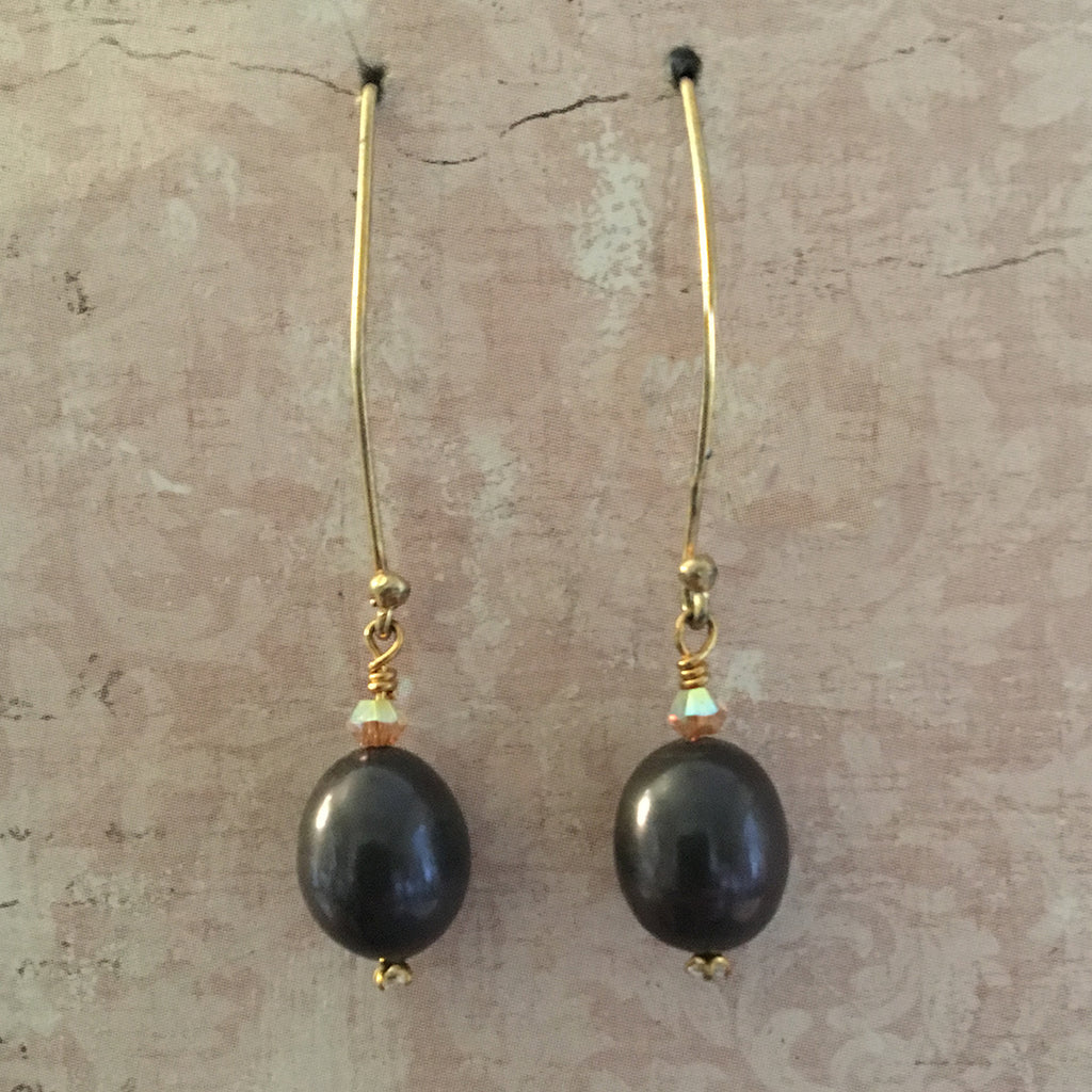 Dark Pearl Arc Earrings