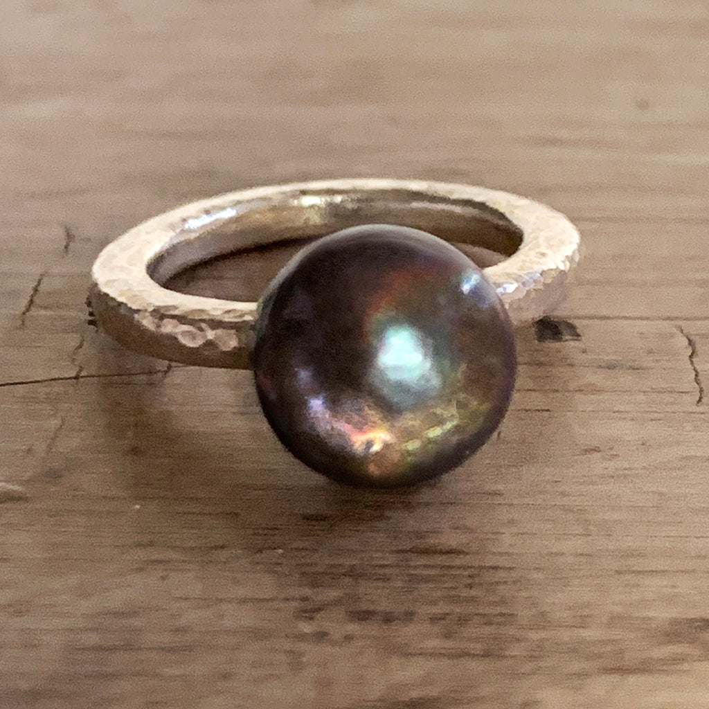 Beautiful Chocolate Brown Pearl on Heavy Silver Beaten Ring