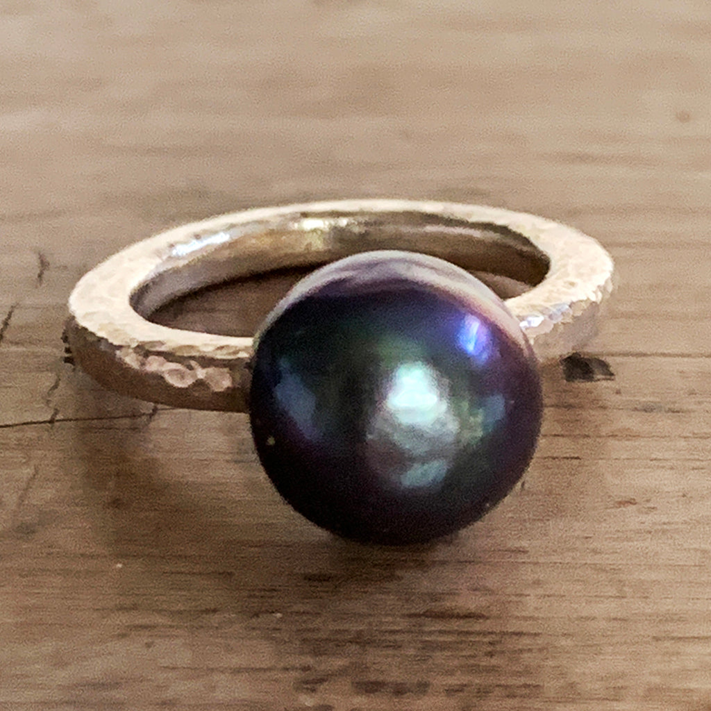 Beautiful Dark Blue Pearl on Heavy Silver Beaten Ring