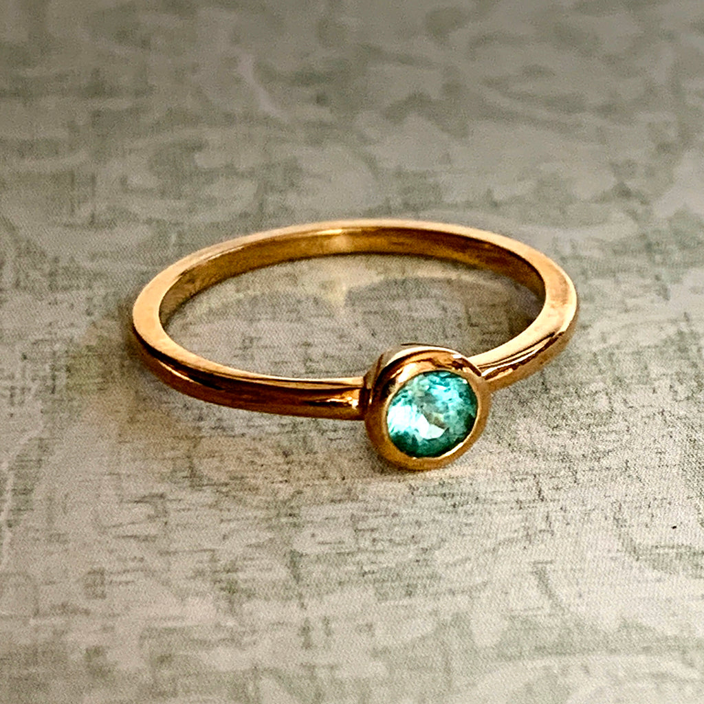 Paraiba Tourmaline Ring set in 9ct Yellow Gold