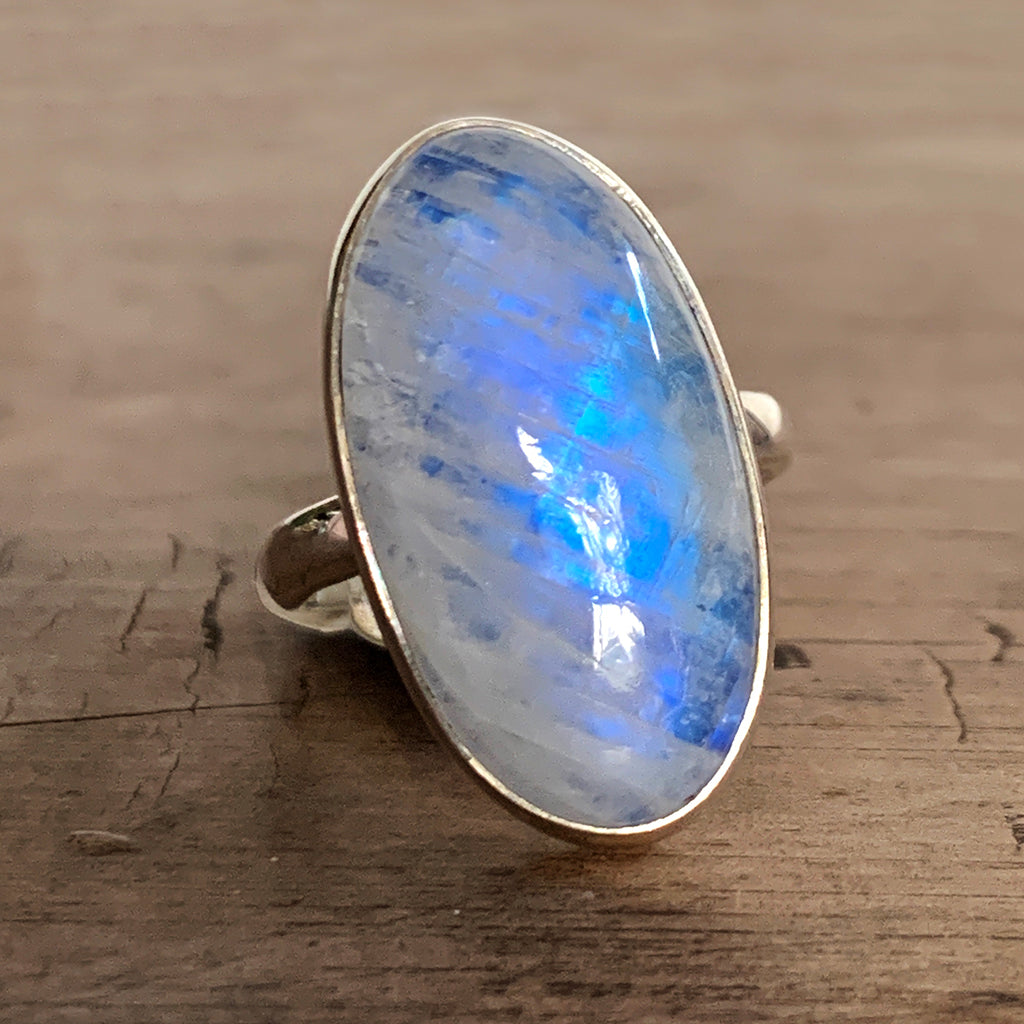 Beautiful Oval Moonstone and Silver Ring